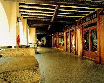 Centre historique. Espai Ermengol